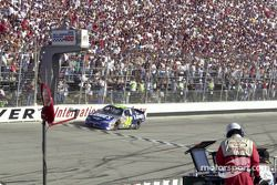 Jimmie Johnson takes the checkers