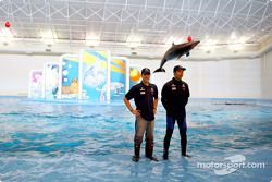 Visit of the Indianapolis Zoo: Nick Heidfeld and Heinz-Harald Frentzen
