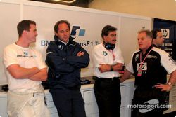 Ralf Schumacher, Gerhard Berger, Mario Theissen ve Patrick Head