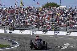 Михаль Шумахер на Maserati 8CTF