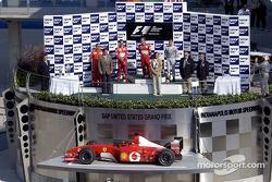 Podyum: Yarış galibi Rubens Barrichello, Michael Schumacher ve David Coulthard