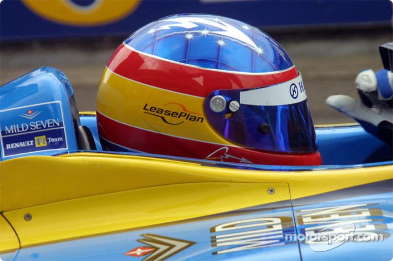 Casco de Fernando Alonso en 2002