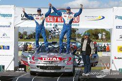 El podio: el ganador del Rally y campeón 2002 del WRC, Marcus Gronholm