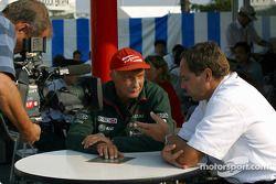 Niki Lauda y Gerhard Berger en TV