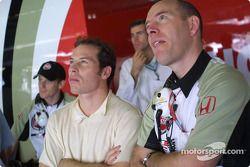 Anthony Davidson, Jacques Villeneuve y Jock Clear