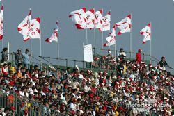 Aficionados en Suzuka antes de la clasificación