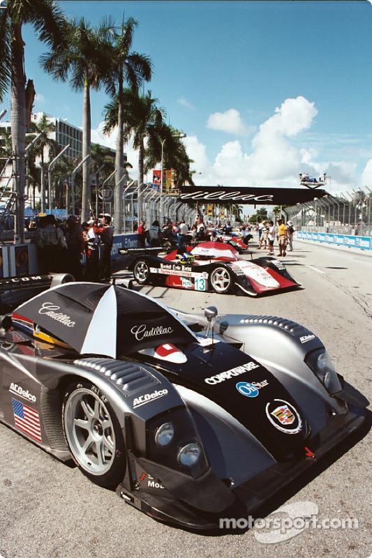 Cadillac of Miami starting grid