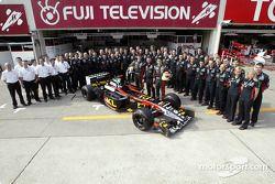 Foto familiar para el Equipo Minardi
