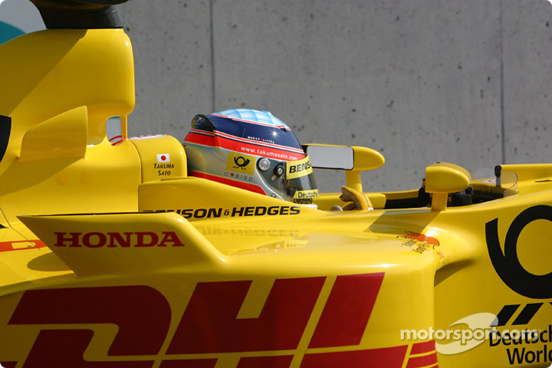 Takuma Sato heads for starting grid