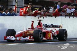 Michael Schumacher fête la victoire