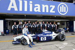 Family picture for Ralf Schumacher his Williams-BMW crew