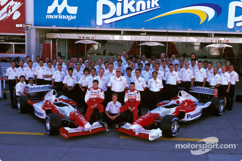 Family picture for Team Toyota