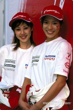 Las adorables chicas Toyota