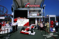 Demostración de Toyota en el paddock