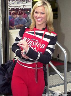 La nueva Miss Winston: Shannon