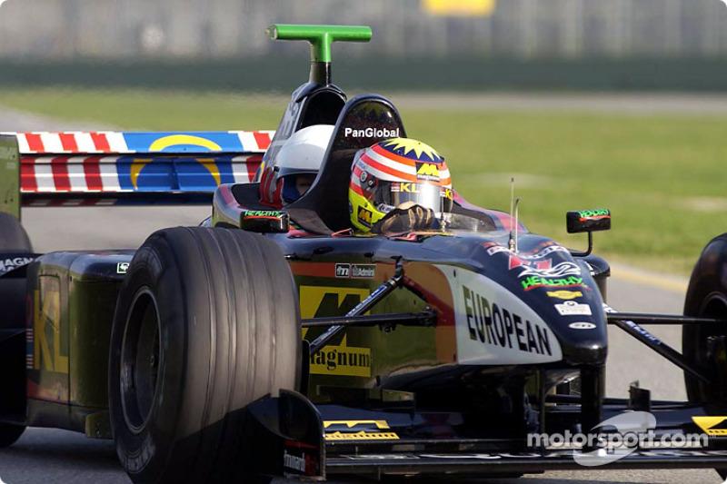 Alex Yoong en el Minardi de dos asientos
