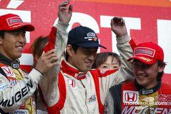 1st Ryo Michigami and Daisuke Ito and their mechanic