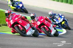 Carlos Checa, Yamaha; Max Biaggi, Yamaha