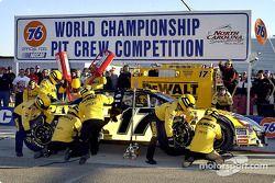 El equipo Dewalt Power Tools Ford impuso un nuevo récord mundial al ganar la competencia Mundial de