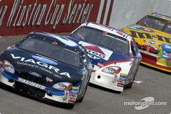 Mark Martin supera a Jeff Burton