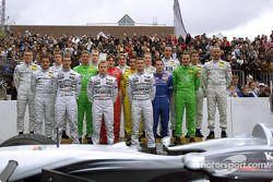 Foto familiar para los pilotos de Mercedes