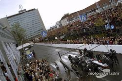 Parada en pits para Kimi Raikkonen