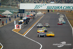 GT300 first lap