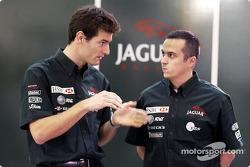 Mark Webber y el ingeniero de carrera, Stefano Sordo