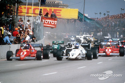 Start zum GP USA-West 1983 in Long Beach: Patrick Tambay, Ferrari 126C2B, Keke Rosberg FW08C