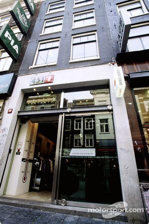 451F store