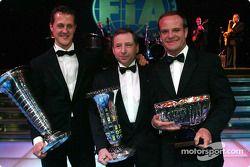 Rubens Barrichello met wereldkampioen Michael Schumacher en teambaas Jean Todt
