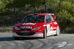 Gilles Panizzi en el nuevo Peugeot 206 WRC 2003