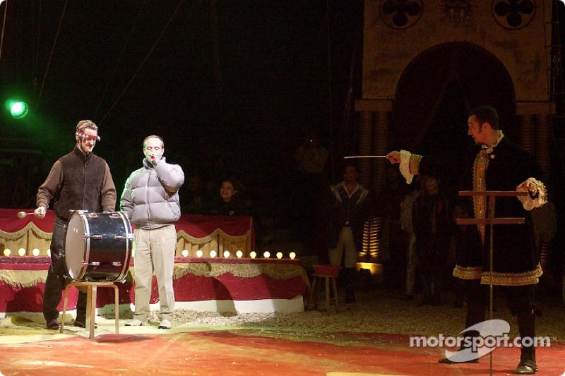 Michael Schumacher y Rubens Barrichello se divierten