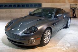 Aston-Martin V12 Vanquish