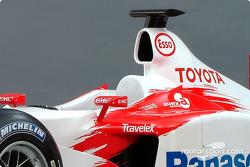 El nuevo Toyota Racing TF103 2003: estudio fotográfico