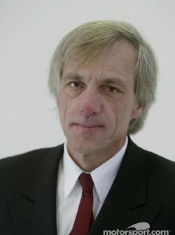 Gustav Brunner - diseñador en jefe