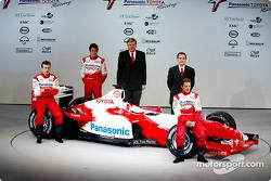 Olivier Panis, el piloto de pruebas, Ricardo Zonta y Cristiano da Matta