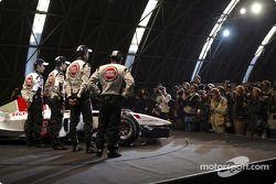 Jacques Villeneuve, Anthony Davidson, Takuma Sato ve Jenson Button