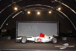 yeni BAR Honda 005 sahnede