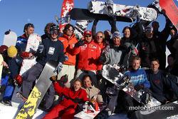 Rubens Barrichello y sus amigos de snowboard