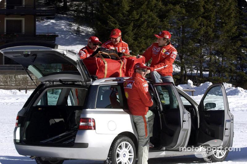Rubens Barrichello, Luciano Burti, Michael Schumacher y Luca Badoer