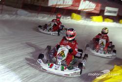 La carrera de karts: Rubens Barrichello, Luciano Burti y Michael Schumacher