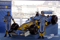 Jarno Trulli and Fernando Alonso with the new Renault F1 R23