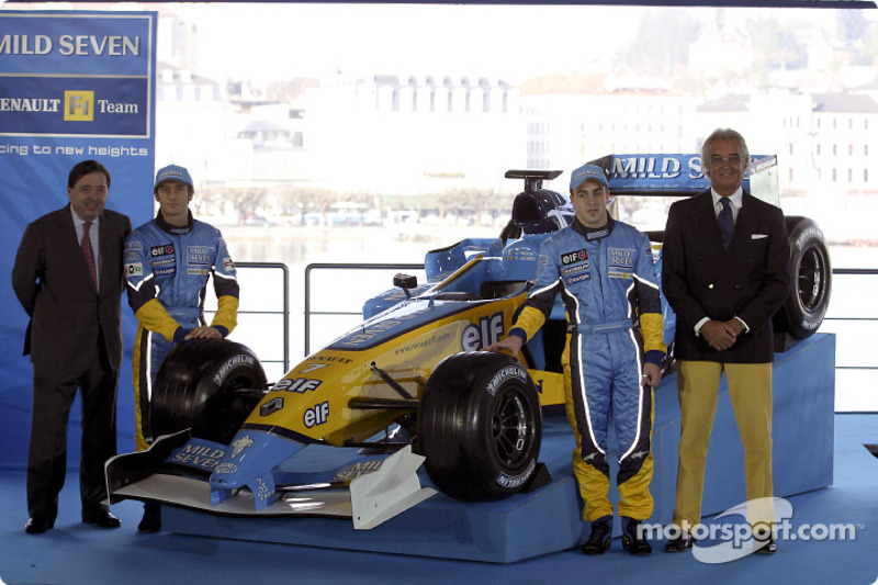 Patrick Faure, Jarno Trulli, Fernando Alonso and Flavio Briatore with the new Renault F1 R23