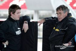 Jordan race engineer Rob Smedley talks with Jordan designer Gary Anderson