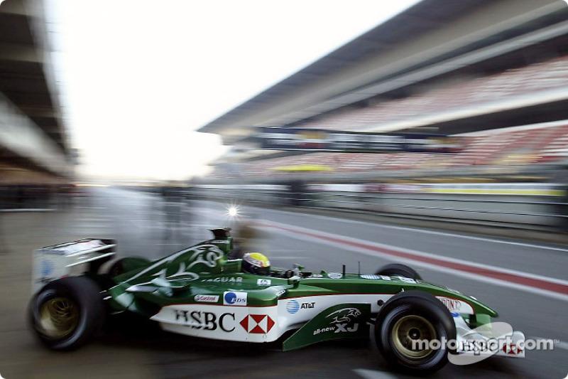 Mark Webber tests the new Jaguar R4