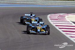 Jarno Trulli y Fernando Alonso en pista