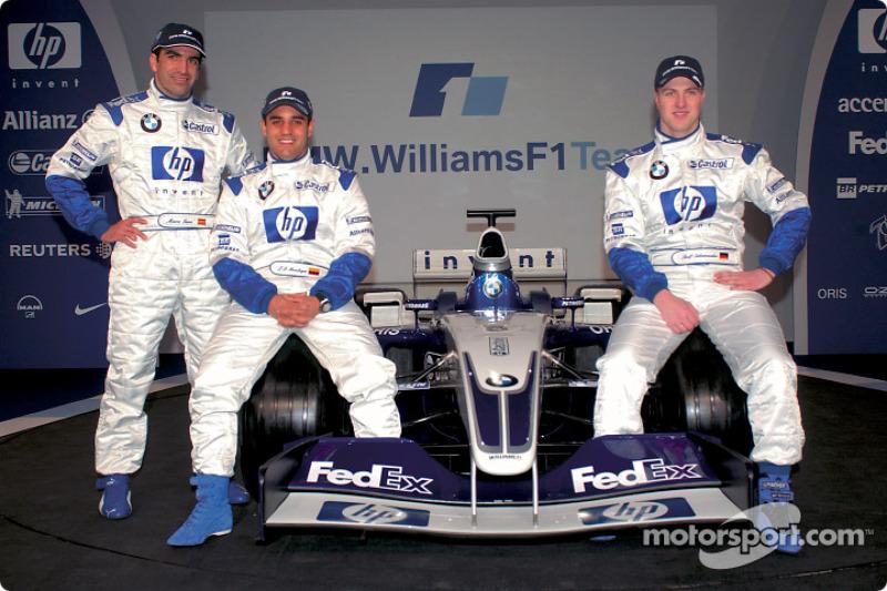 El piloto de pruebas, Marc Gene, Ralf Schumacher, Juan Pablo Montoya, y el nuevo BMW Williams F1 FW25