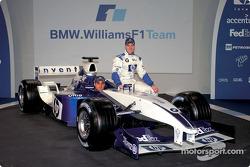 Ralf Schumacher y Juan Pablo Montoya con el nuevo BMW Williams F1 FW25