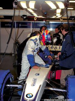 Juan Pablo Montoya prueba el nuevo BMW Williams F1 FW25